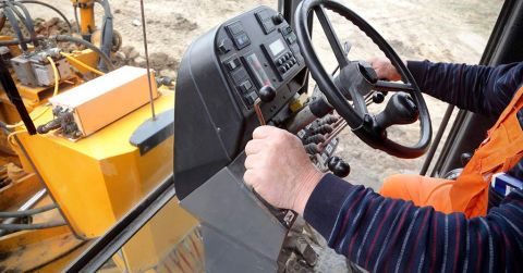 Motor Grader Safety Tips for Work Sites | KH Plant