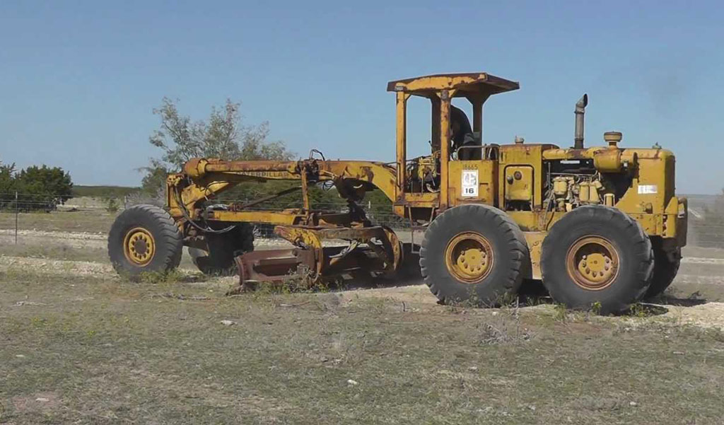 The World's Largest Motor Graders | KH Plant