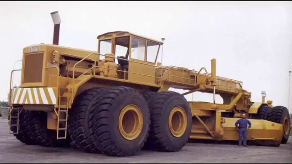 The World S Largest Motor Graders Kh Plant